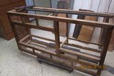 水屋戸棚の天板、棚板、裏板が剥がせいよいよ分解です。