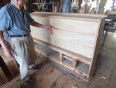 中引出の前面板も死んだ節が多く抜け穴が多くあった為、新しい板にしました。