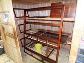 岐阜市より修理依頼の水屋戸棚の漆塗りの最終が終わりました。