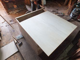 修理依頼頂いた箪笥裏板を外し新しい桐板を貼り直しました。