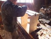 市内の85歳のお婆様より雛人形の桐箱制作を依頼されました。