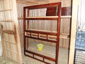 菰野町より修理依頼の水屋戸棚の漆塗りです。引出、前枠、後ろ枠の色が良くなっています。