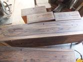 引出表面の塗膜が取れ木地が出てきました。
