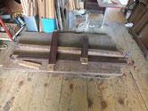 大阪市より修理依頼の水屋戸棚の分解が完了しました。
