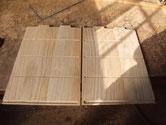 組手が終わり棚板の受け溝を掘り側板が仕上がりました。