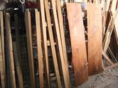 水屋戸棚のパーツの木地出しが完了したので柿渋を塗りました。