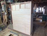 関市より修理依頼の時代箪笥が、ようやく白木まで出来上がりました。
