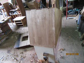 桐の箪笥の側板を鉋をかけ木地を出しカルカヤをかけました。