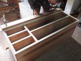 名古屋市より修理依頼の桐たんすの棚板、下台の新桐貼りが終わりました。明日出張りを取り仕上げます。