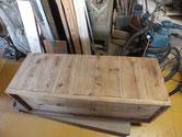 埋め木修理が完了しましたので、汚れ取り作業をしました。