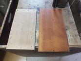 分解した引き戸のパーツに柿渋下塗りをしました。