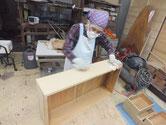 砥の粉ヤシャ仕上げが完了し最後の仕上げとなるロウ磨きです。