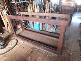 水屋戸棚の天板、側板、底板、裏板前部剥がしました。分解の準備は出来ました。