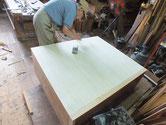 本体の台輪虫食いのため作り直し裏板を桐板に交換しました。