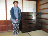 稲沢市より修理依頼を頂いた時代箪笥を納品してきました。