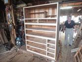 本体側板の鉋がけと木地調整をして本体は完成しました。