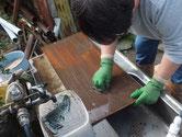 桐箪笥の本体と引出と戸板を洗い天日干し増した。
