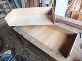 底板の割れが治り前板を外し内部の掃除をしました。