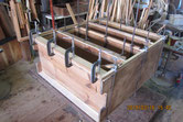 箪笥の裏板を交換し前面は接地面を作り新しい板張り修理をしました。