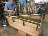 上段の胴縁、棚板に新しい桐板を貼り本体を仕上げていきます。