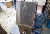 桐箪笥本体の側板の鉋がけを始めました。