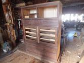 ほぼ木地出しが出来ましたが、開き戸と台輪を作りを残しています。