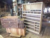 山県市より修理依頼の時代箪笥の引出の仕込みを始めました。