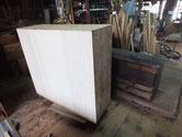 東京都より修理依頼の時代箪笥の裏板を桐板に貼りかえる修理をしました。