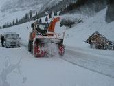 Markus Walker am Schneefräsen