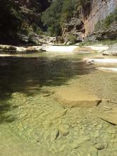 sejour zen en aragon pyrénées nocito sierra de guara bien-etre piscine naturelle marche consciente naturisme sauvage thérapie holistique élémentaux chamanisme