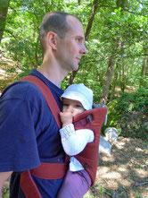 visuel: père et son bébé consultent