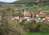 Straßbessenbach; Blick auf die neue Kirche