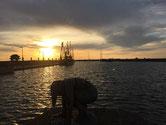 Schleuse im Sonnenuntergang