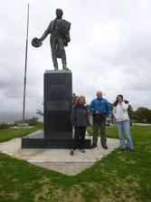 Das Denkmal vom Artigas(Staatsgründer) mit Kordula, Christian und Melli