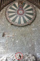 Kasimir, Cäsar, Fredi und Kerl sitzen am Round Table von König Artus
