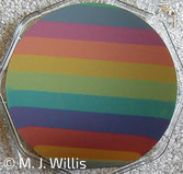 couleurs interférentielles, différentes épaisseurs d'oxydation d'un substrat de Silicium