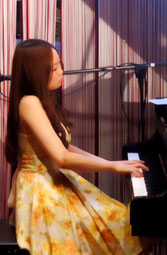 クラシック、ジャズ、ポップスピアノ講師 野間由起先生