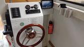 Hausboote mieten 4 Personen Brandenburg. Hausboot - Steuerstand im Wohnbereich
