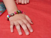 Hände knüpfen - Armbänder knüpfen