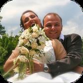 Accès reportage mariage chambéry Photo couple de maries avec bouquet de fleurs