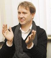 http://www.mk.ru/culture/theatre/interview/2013/06/07/866444-russkiy-teatr-okkupiroval-pyatigorsk.html