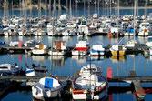 Breatagne port de plaisance avec uen belle mer