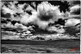 Chateau du Taureau et ile Louet dans la baie de Morlaix