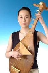 ♪ BIWA  ♪  Akiko  Kubota