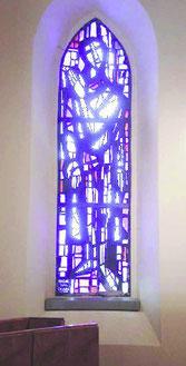 L'un des vitraux de l'artiste Walter Grandjean, alias Bodjol