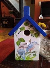 Houten nestkastje,  vogelhuisje beschilderd, Grieks blauw
