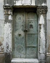 Porte en bronze du mausolée de Bohémond.