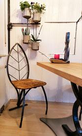 Ein Küchenstuhl von Hand geschmiedet. Ein Design-Stuhl aus der Telchinen-Schmiede.