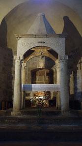 Altar im Dom von Sovana