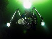 Kay unter Wasser